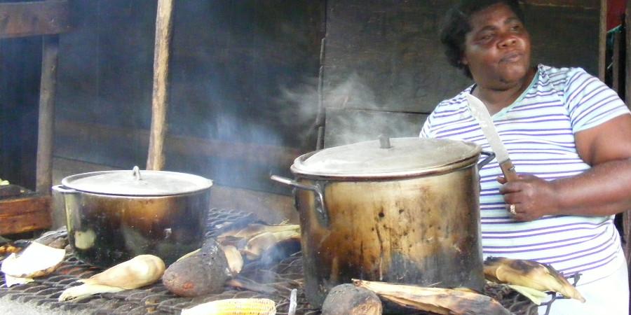 Authentic-Jamaican-Street-Food_Interior2